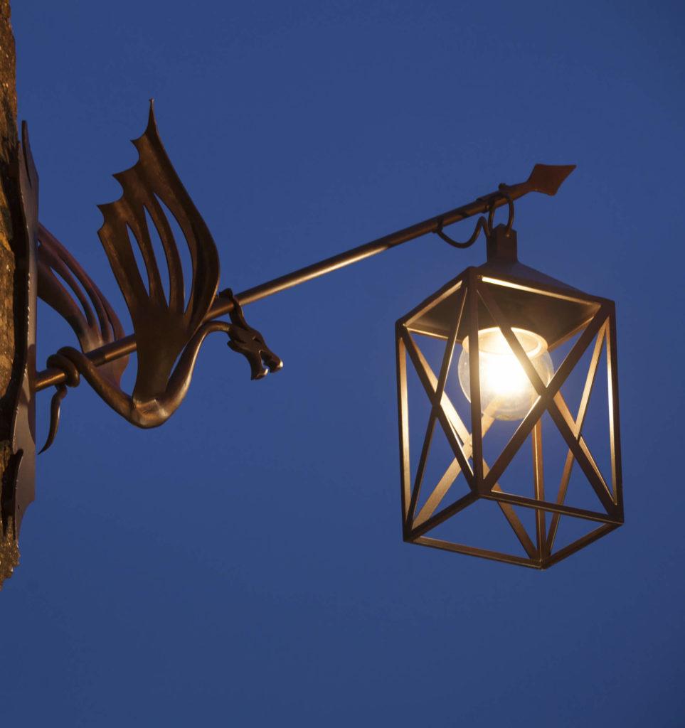 Led lantern for outdoors made of wrought iron brillamenti - Lanterne da esterno in ferro battuto ...