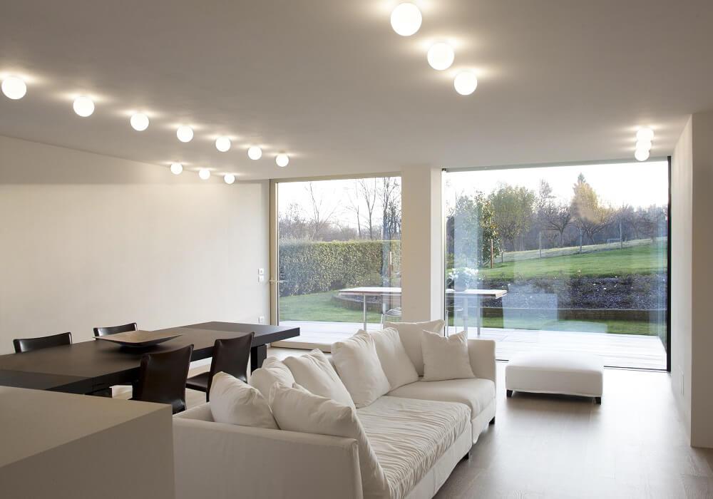 Illuminazione soggiorno con plafoniera led brillamenti