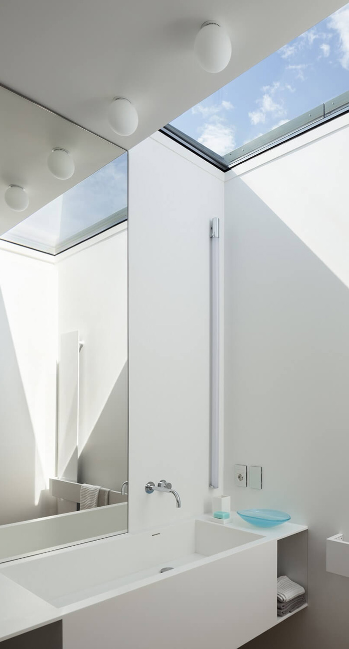 Illuminazione soffitto bagno come illuminare il bagno brillamenti - Illuminare il bagno ...