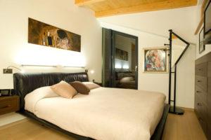 Illuminare la camera da letto matrimoniale consigli utili