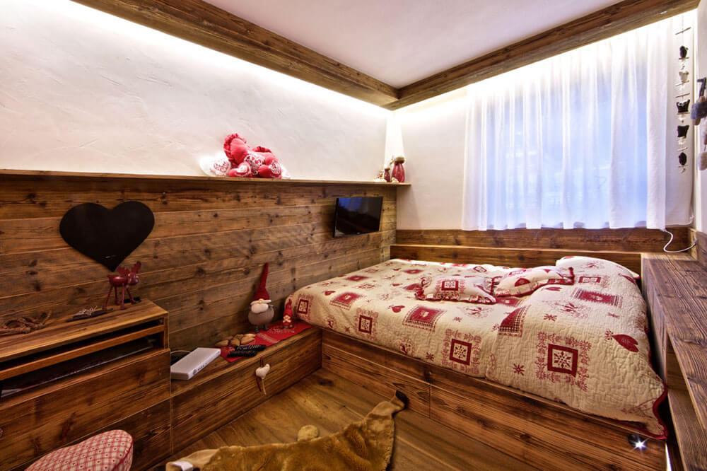 Illuminare la camera da letto matrimoniale led brillamenti for Illuminazione camera da letto matrimoniale