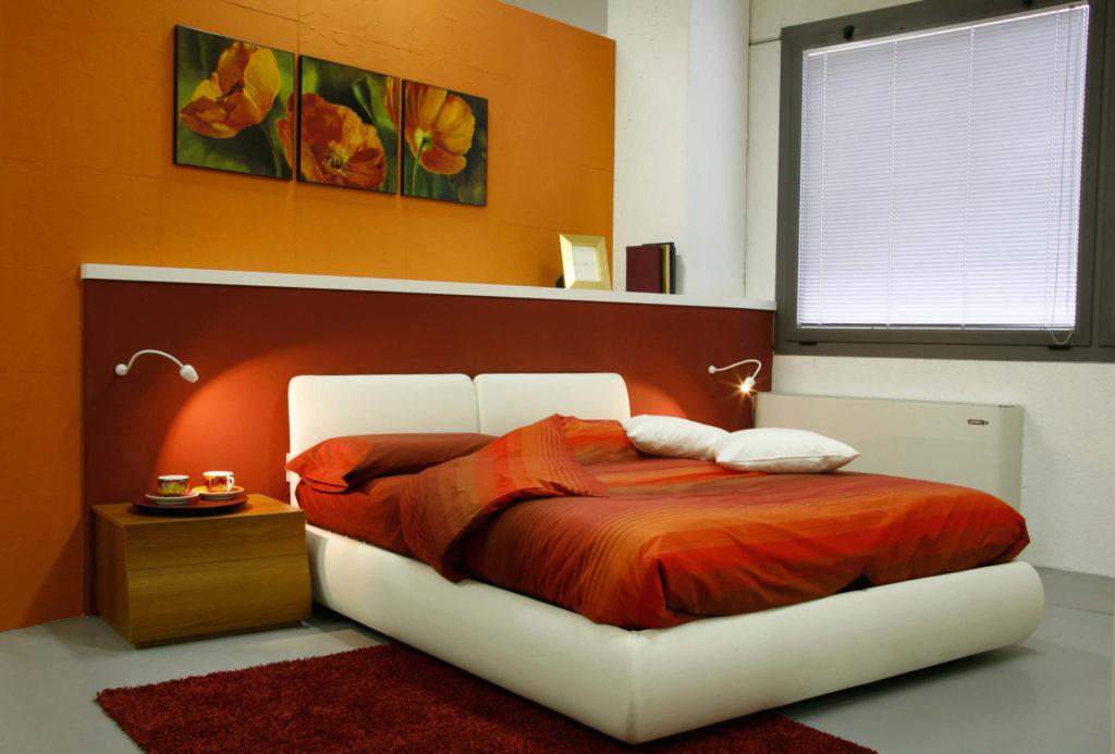 Illuminare la camera da letto matrimoniale 9 consigli - Scrivania camera da letto ...