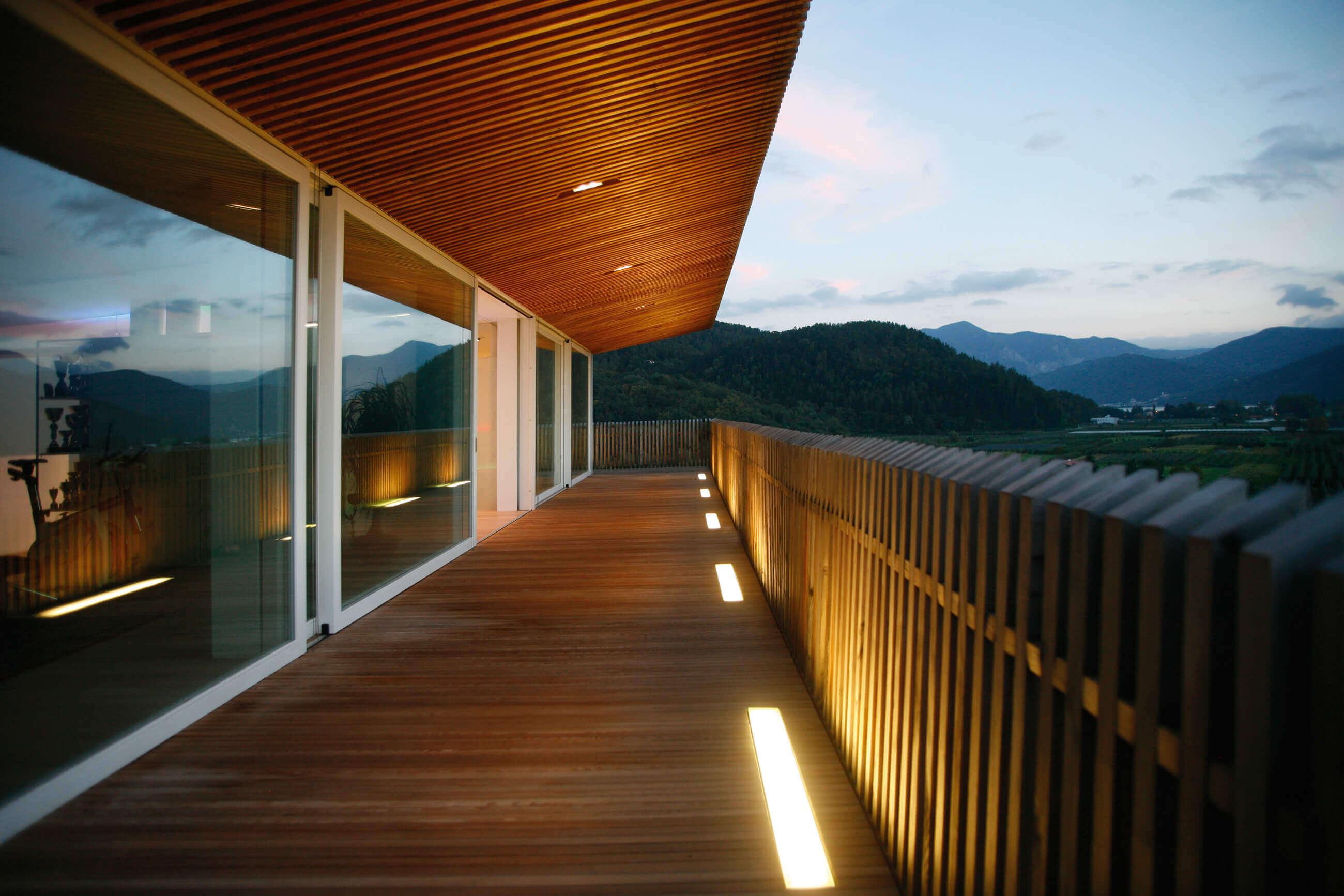 Idee Per Illuminare Un Giardino illuminazione terrazzo: come illuminare un terrazzo