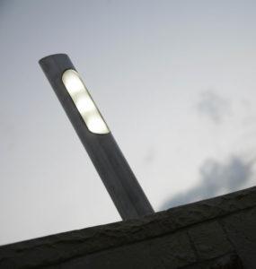 paletto-da-esterni-segnapasso-Led-Pole-Brillamenti-Officina-della-luce